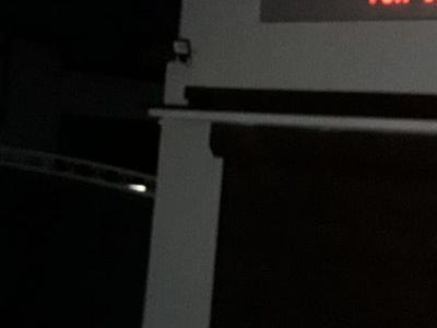 Zakład ślusarsko-mechaniczny Dariusz Tarliński budynek z neonem